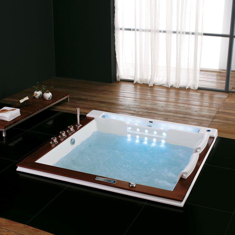 Baignoire baln o carr e baignoire baln o encastrable for Baignoire encastrable 2 places