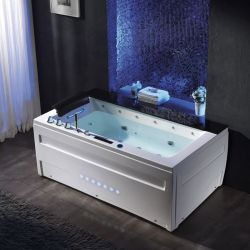 Belle baignoire balneo rectangulaire Majorque