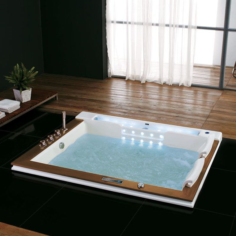 Belle baignoire balneo rectangulaire encastrable Makatea